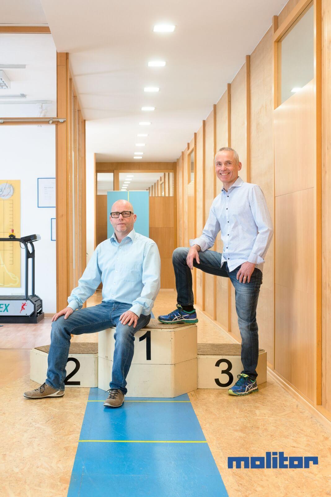 Lutz und Dirk Molitor mit einem Siegertreppchen. Sie sagen Danke!